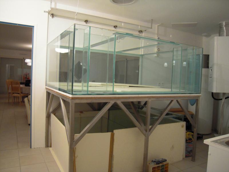 aquarium sur mesure conception et installation. Black Bedroom Furniture Sets. Home Design Ideas